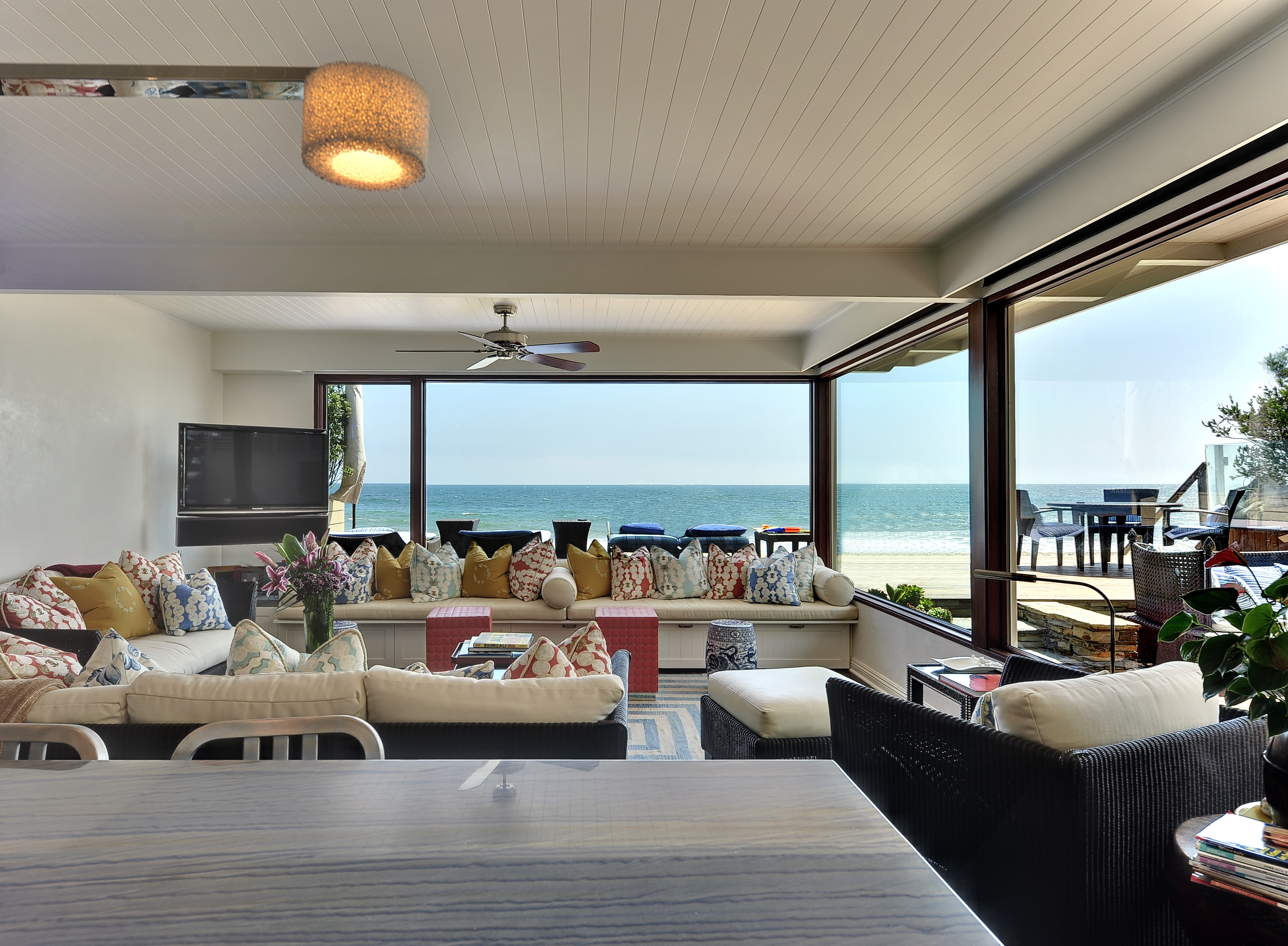 Una casa en malib revista momentos for Beach house design jeffrey strnad
