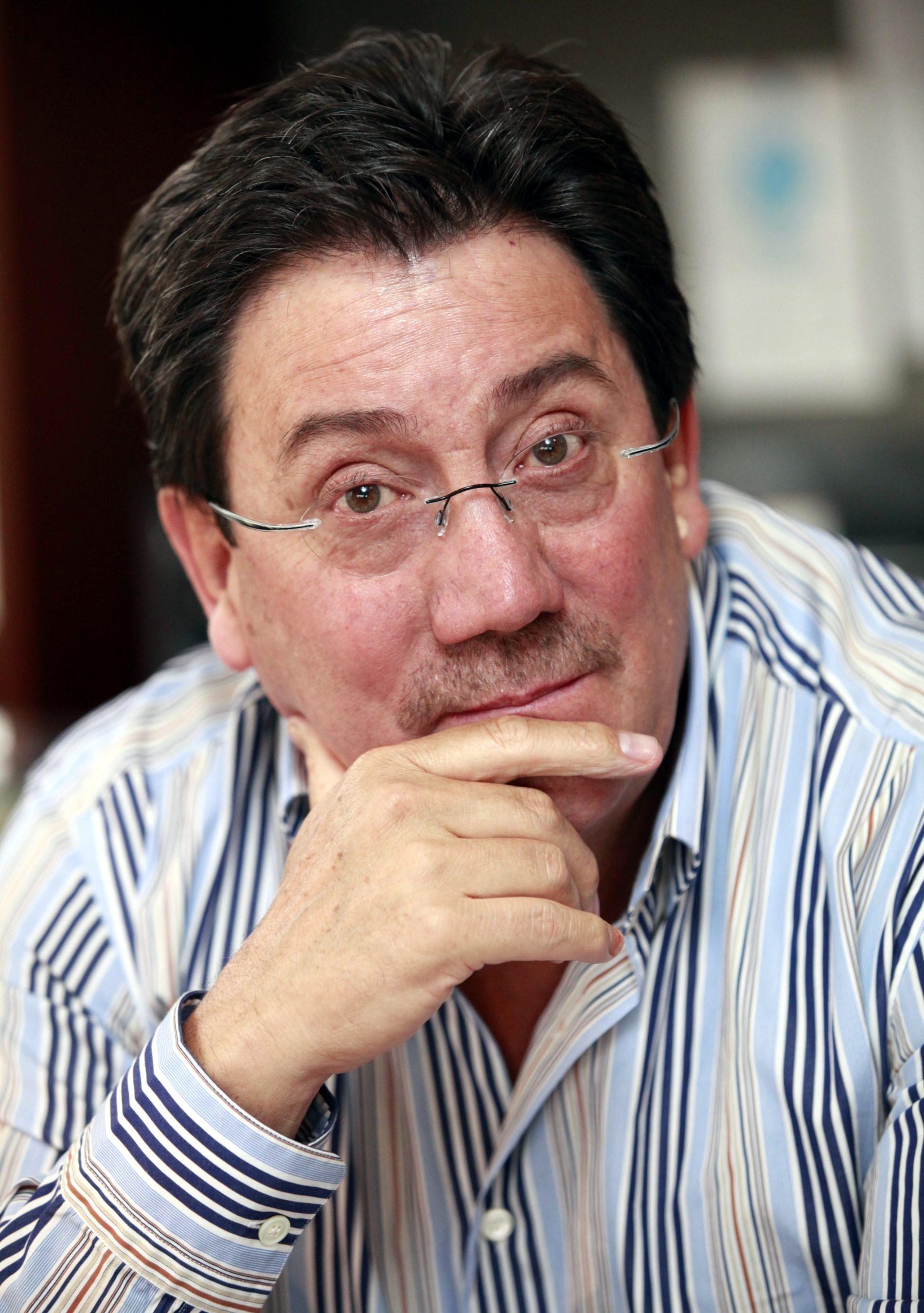 RAFAEL SANTOS CALDERÓN