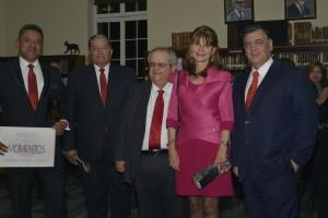 De izquierda a derecha, Chef Jorge Martínez, Coronel (RA) Luis María Acosta O., periodista William Calderón, Dra. Martha Lucía Ramírez, ex Ministra y ex Candidata Presidencial, Dr. José Gregorio Hernández, Rector Unisinú Bogotá.
