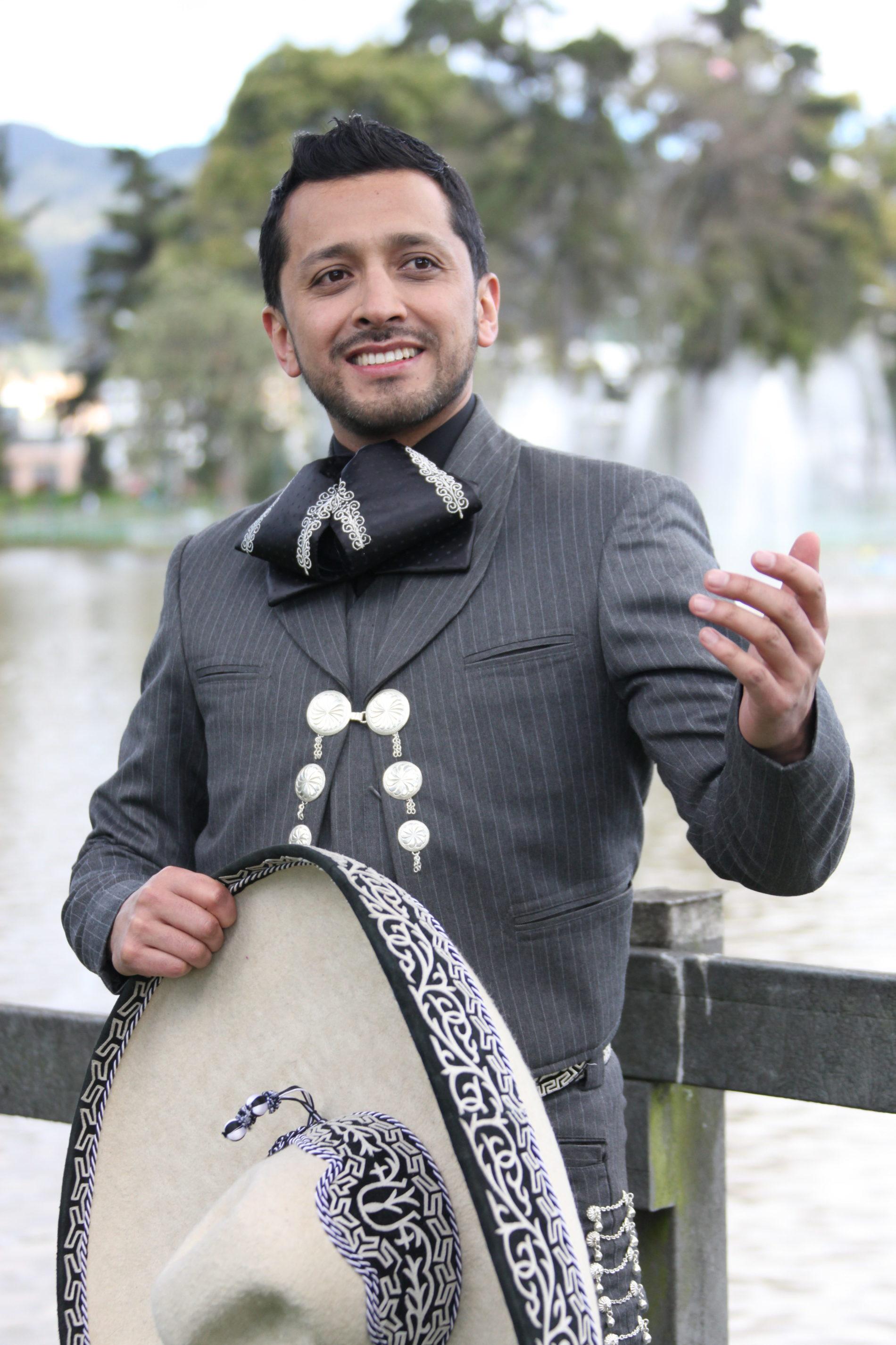 Elegancia, romanticismo y alegría EL SELLO INTERNACIONAL DE OMAR SCARPETTA