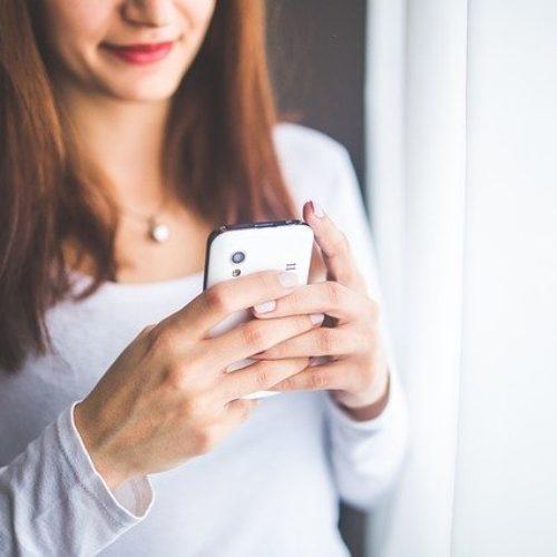 Cuatro claves para reconocer mensajes de texto falsos