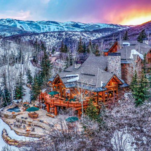 El senador de Utah, Mitt Romney, decidió vender su casa de lujo en la montaña