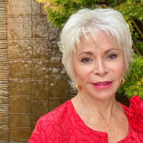 Isabel Allende: La vida se va caminando sin mapa y no hay forma de volver atrás