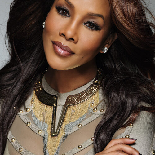 "VIVICA FOX CELEBRA MÁS DE 250 PELÍCULAS EN HOLLYWOOD Y 25 LIFETIME MOVIES DE ""THE WRONG COLLECTION"""