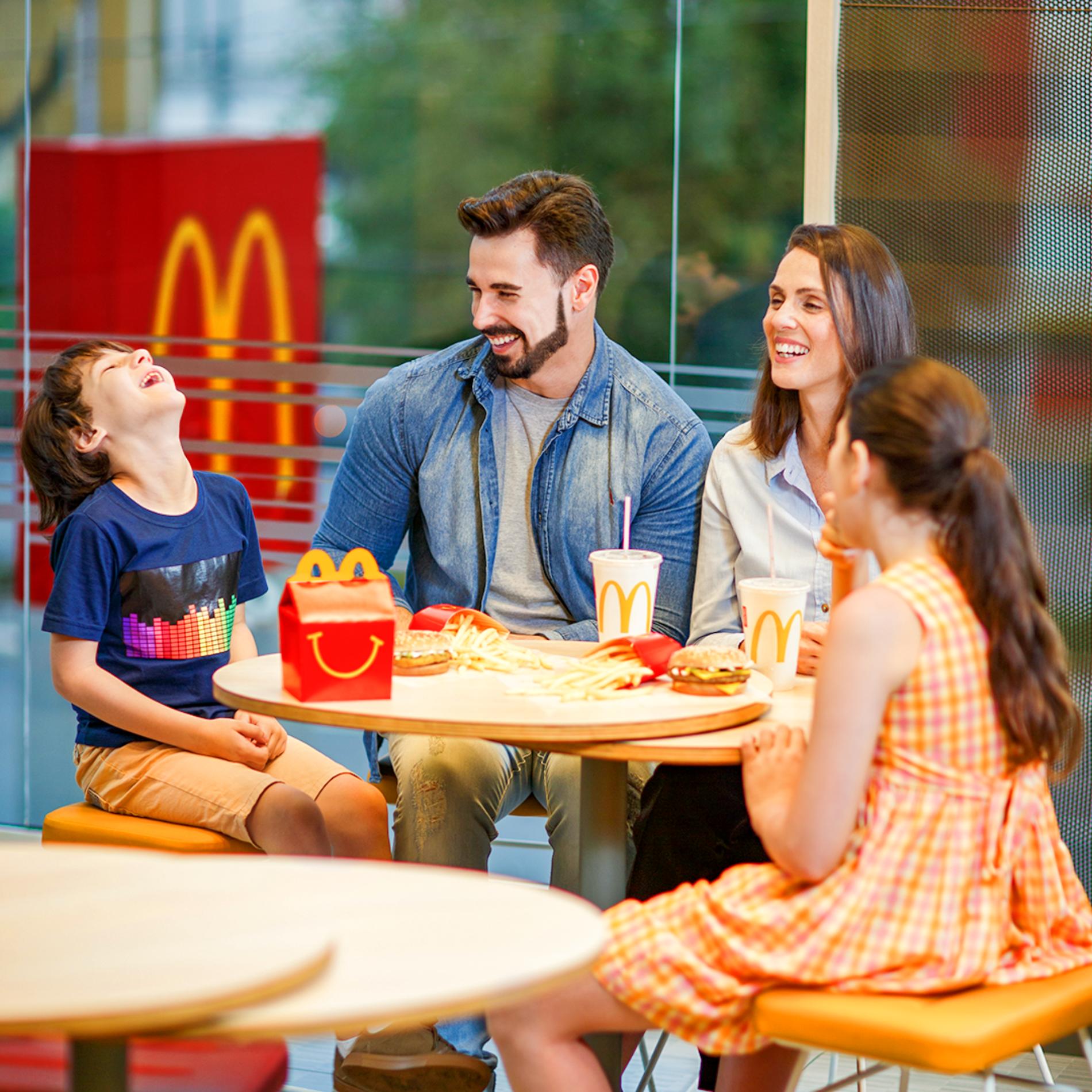 Según un estudio científico: La Cajita Feliz de McDonald's tiene el mejor balance nutricional para niños, respecto a otras marcas de servicio rápido en Colombia con las que fue comparada